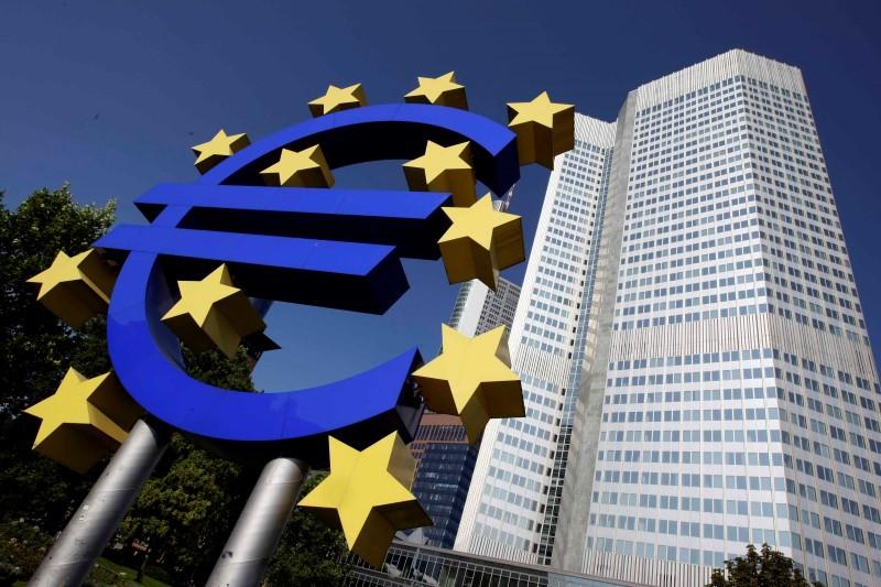 © Reuters.  欧元区11月制造业PMI初值大超预期 助攻欧元