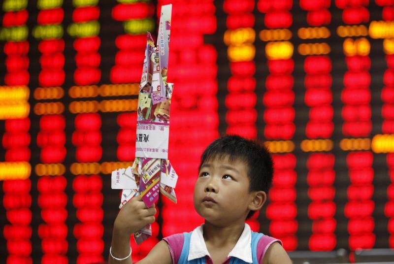 © Reuters.  亚股全线反弹:中国9月出口超预期 A股V型反转 恒指涨超2%