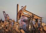 原油亚盘:油价小幅上涨 关注美国能源部长与沙特和俄罗斯官员的会晤