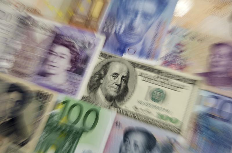 欧洲央行或展缓重新启动宽松政策!但欧元想要反方向仍需满意两个缘由