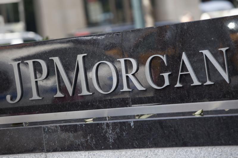 © Reuters.摩根大通(JPM.US)将在今年年底前完成由英国向德国的资产转移工作