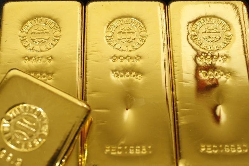 黄金亚盘:美国就业市场遭受重创 金价升破1600美元后还会续涨吗?