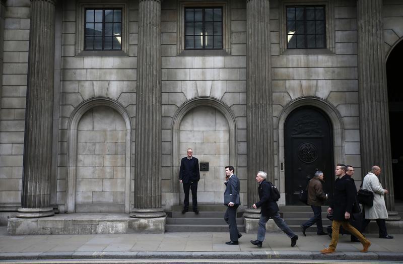 © Reuters.  英国股市收低;截至收盘Investing.com 英国 100下跌0.69%