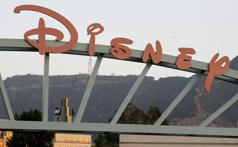 疫情持续影响 迪士尼世界度假村4.3万员工将无薪休假