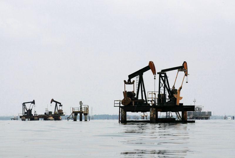 原油交易提议:沙特油长换帅不改减产力度,OPEC+产油国跟风,做多押注急增