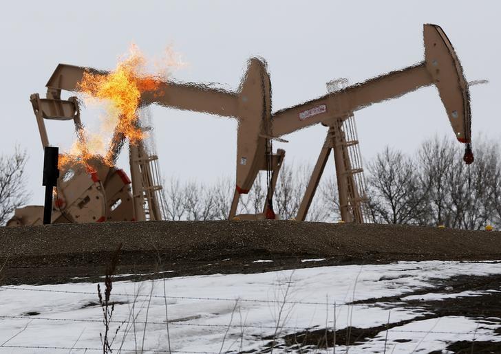 原油亚盘:布油在40美元下方徘徊 多空因素互相纠缠