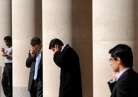 英国股市收低;截至收盘Investing.com 英国 100下跌1.18%