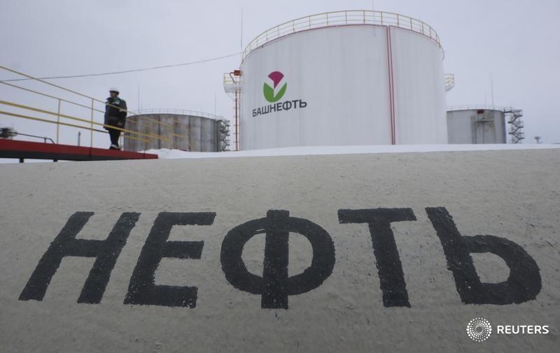 原油亚盘:布油期货溢价创下5月以来新高 聚焦供应是否过剩