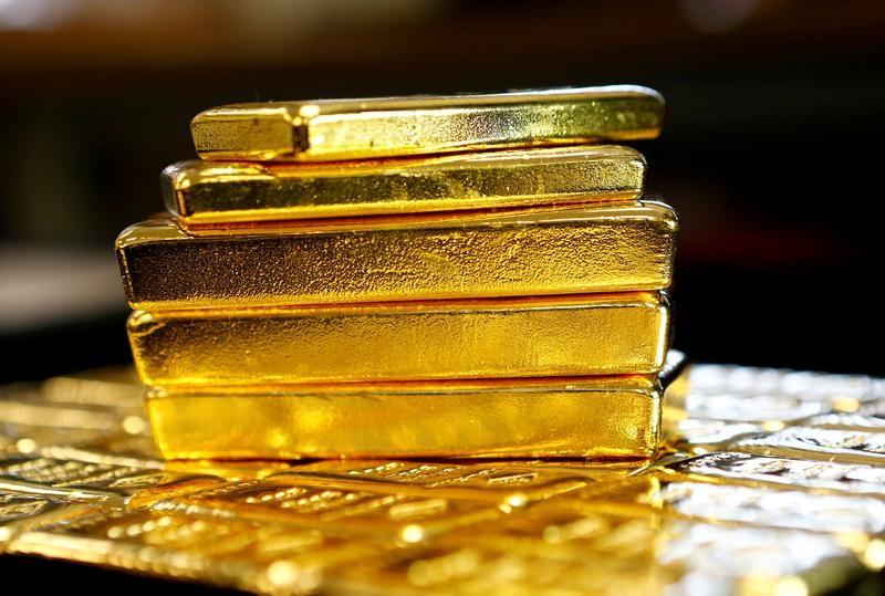 疯狂的黄金!价格逼近历史新高,分析师:这一贵金属更具投资价值提供者 ...