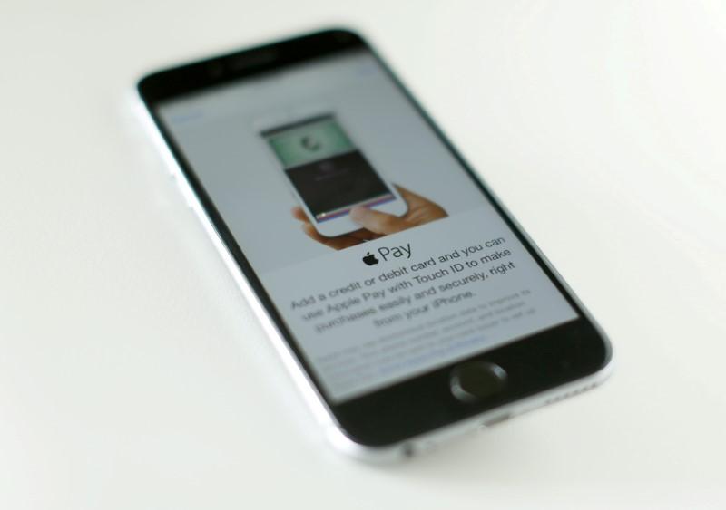 苹果将于8月底前重新开放多家美国零售店