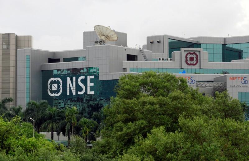 © Reuters.  印度股市上涨;截至收盘印度S&P CNX NIFTY指数上涨0.74%