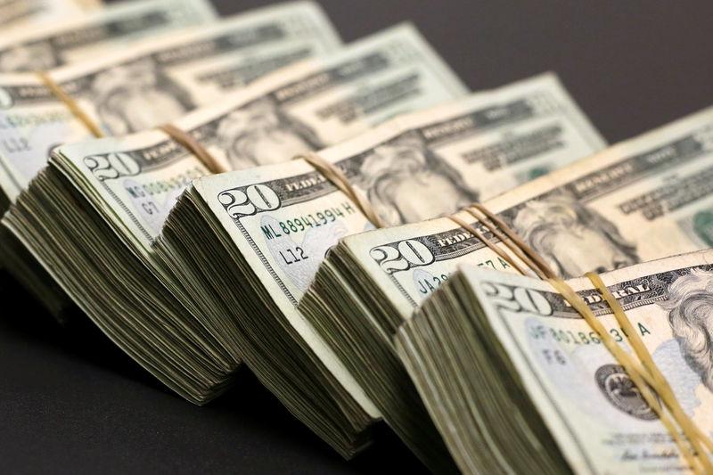 © Reuters.  9月17日外汇交易提醒:美元大幅回升 因美国经济数据乐观和避险需求提振