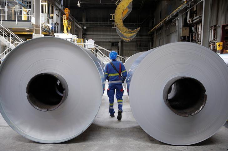 铝价年涨幅超过50%,有上市公司业绩暴增30倍,产能临近上限天花板之下券商预期价格将突破2万元/吨