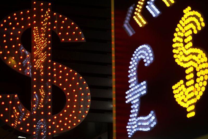 © Reuters.  多因素致美国面临衰退风险,美元强势恐难持续