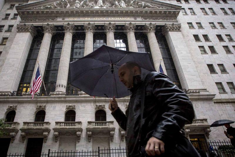 英为财情市场速递:疫情对经济造成巨大负面影响,美国上周初请失业金人数超600万