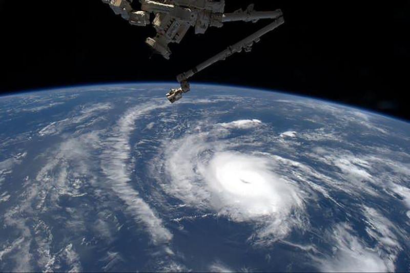 © Reuters.  美国史上最强飓风来袭 美股各大板块几家欢喜几家愁