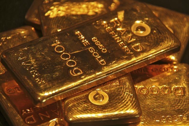 黄金价格逼近1900美元,新兴市场投资教父莫比乌斯表示将继续买入