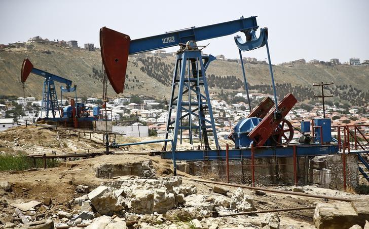 EIA原油库存连降四周,美油一度涨超2%创逾一个月来新高