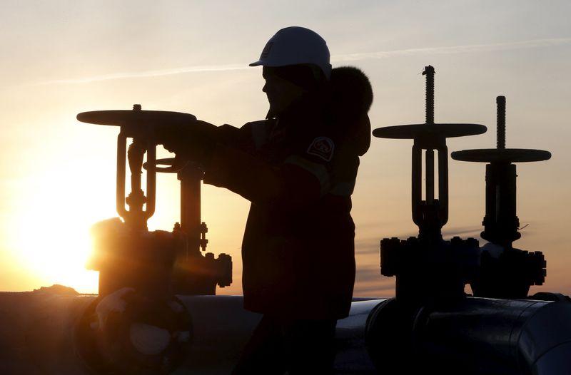 原油亚盘:俄罗斯接近减产目标!美国WTI原油涨超3%