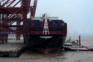 美国农产品重要航道中断!密西西比河上桥梁出现裂缝 700余艘驳船被堵