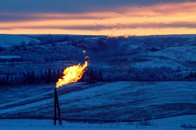 英为财情市场速递:油气价格大涨,央行官员密集发声