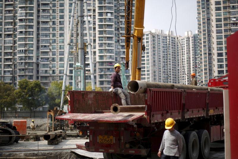 多地出台涉房政策鼓励开发商拿地 房协建言放松限购引争议