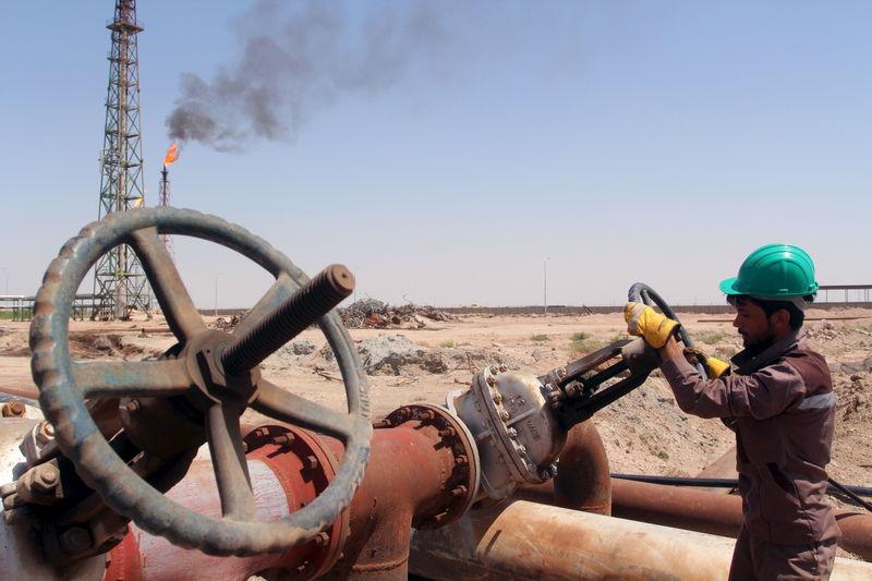 © Reuters.  布伦特原油欧盘涨超2% 国际能源署称全球原油产量或达极限