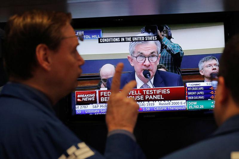 © Reuters.  环球早报:鲍威尔讲话提振风险资产 欧央行加息或延至2019年末