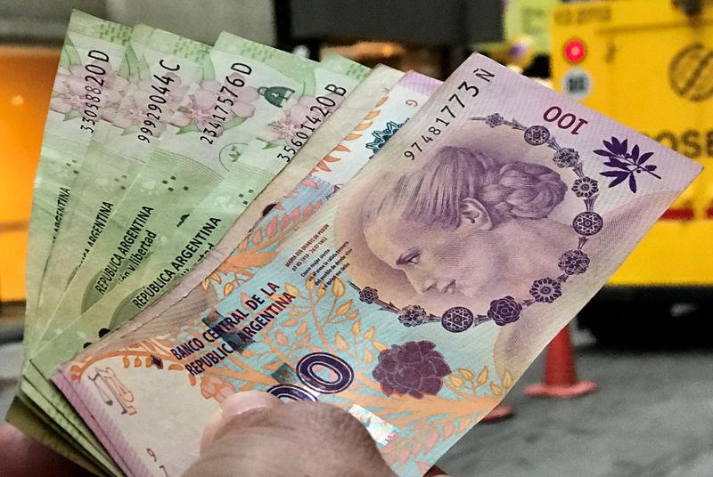 © Reuters.  总统初选结果成风险导火索!阿根廷遭遇股债汇三杀