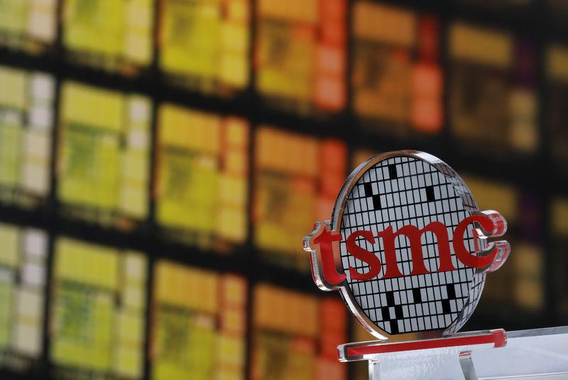 大摩:芯片需求出现转弱迹象,台积电等代工厂Q4或被砍单